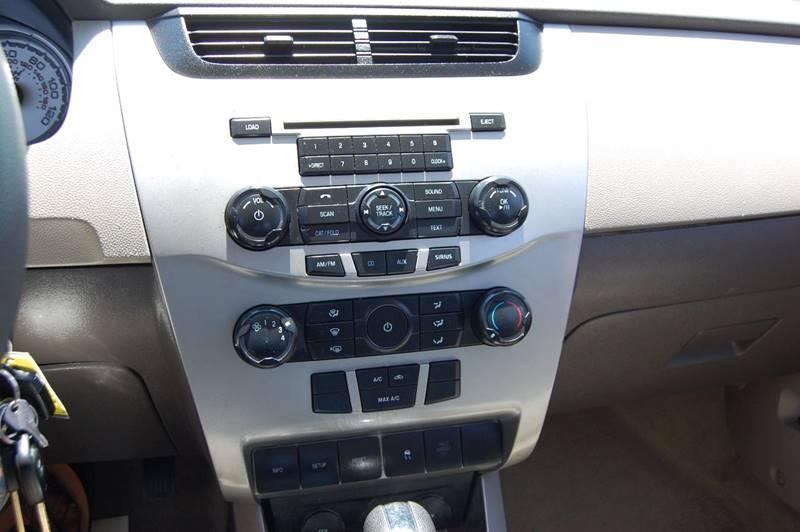 2010 Ford Focus SE 4dr Sedan - Plano TX