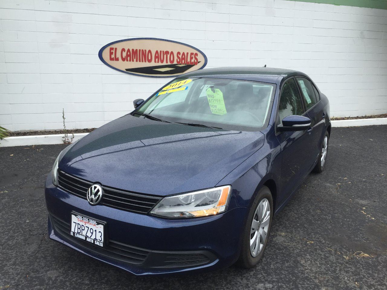 2014 VOLKSWAGEN JETTA SE PZEV blue this vw has it all with 36mpg on the highway why are you wai