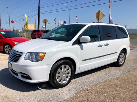 2015 Chrysler Town and Country for sale in Mercedes, TX