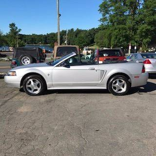 2001 Ford Mustang Deluxe 2dr Convertible - Southwick MA