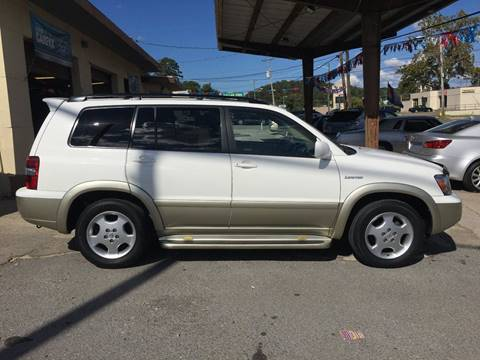 2005 Toyota Highlander for sale in Knoxville, TN