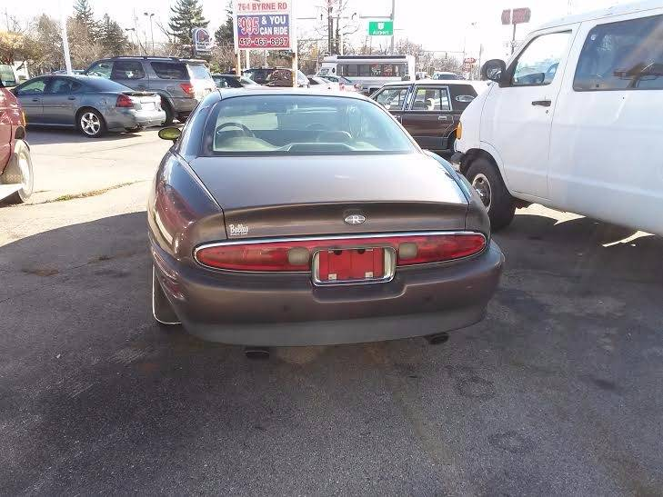 1995 Buick Riviera 2dr Coupe - Bedford OH