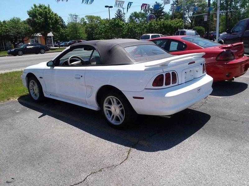 1998 Ford Mustang GT 2dr Convertible - Bedford OH