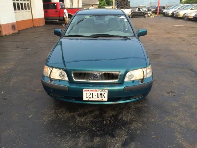 2001 Volvo S40 for sale at Time Motor Sales in Minneapolis MN