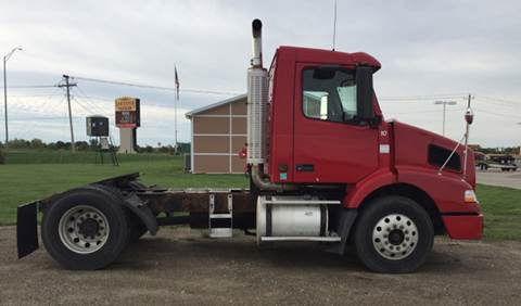 2004 Volvo VE D12-365 for sale in Osceola, IA