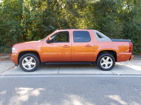 2007 Chevrolet Avalanche for sale at A & P Automotive in Montgomery AL