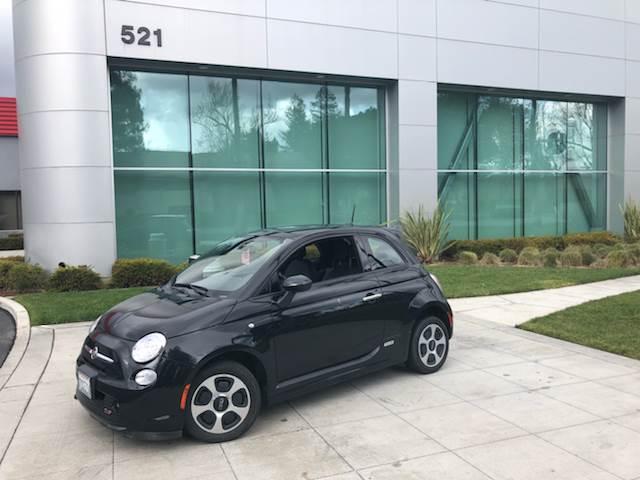 Fiat 500e Reviews | Fiat 500e Price, Photos, and Specs | Car and ...