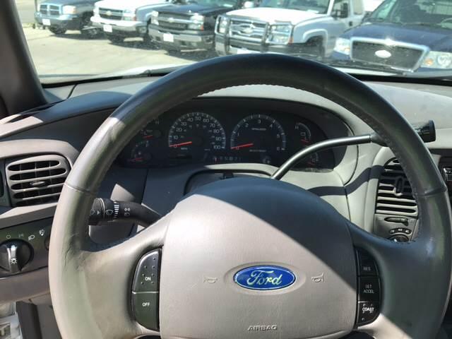 2003 Ford F-150 4dr SuperCab XL 4WD Styleside LB - Omaha NE