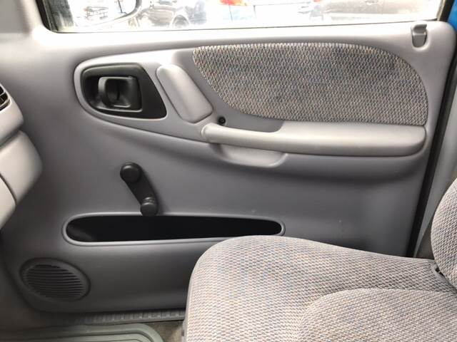 1998 Dodge Dakota 2dr SLT 4WD Extended Cab SB - Omaha NE