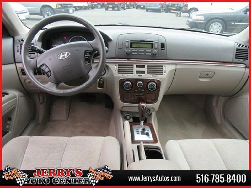 2007 Hyundai Sonata for sale at JERRY'S AUTO CENTER in Bellmore NY