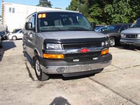 2006 Chevrolet Express Passenger for sale in Jersey City, NJ