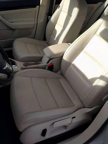 2010 Volkswagen Jetta SE PZEV 4dr Sedan 6A - Auburn ME