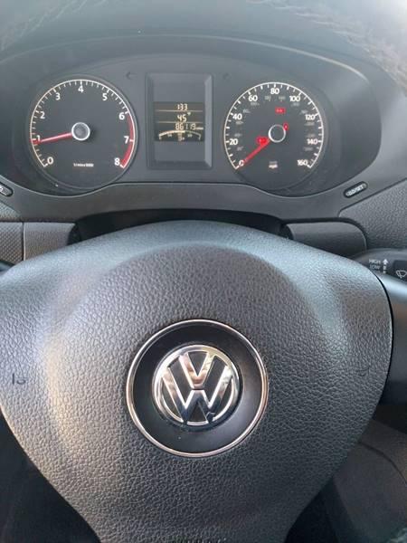 2011 Volkswagen Jetta SE 4dr Sedan 5M - Auburn ME