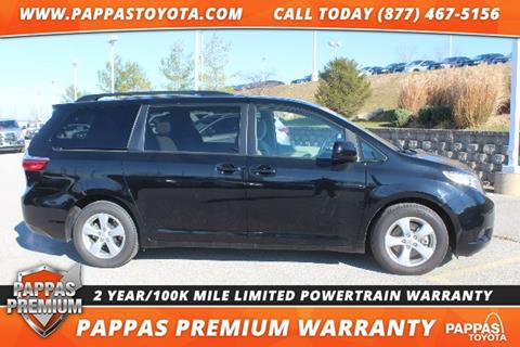 2017 Toyota Sienna for sale in Saint Peters MO
