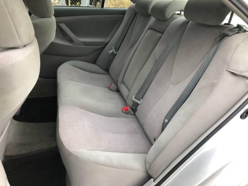 2011 Toyota Camry 4dr Sedan 6A - Cincinnati OH