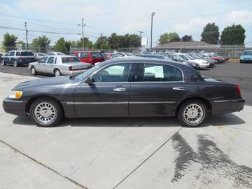 2001 Lincoln Town Car for sale at Mike's Auto Sales of Charlotte in Charlotte NC