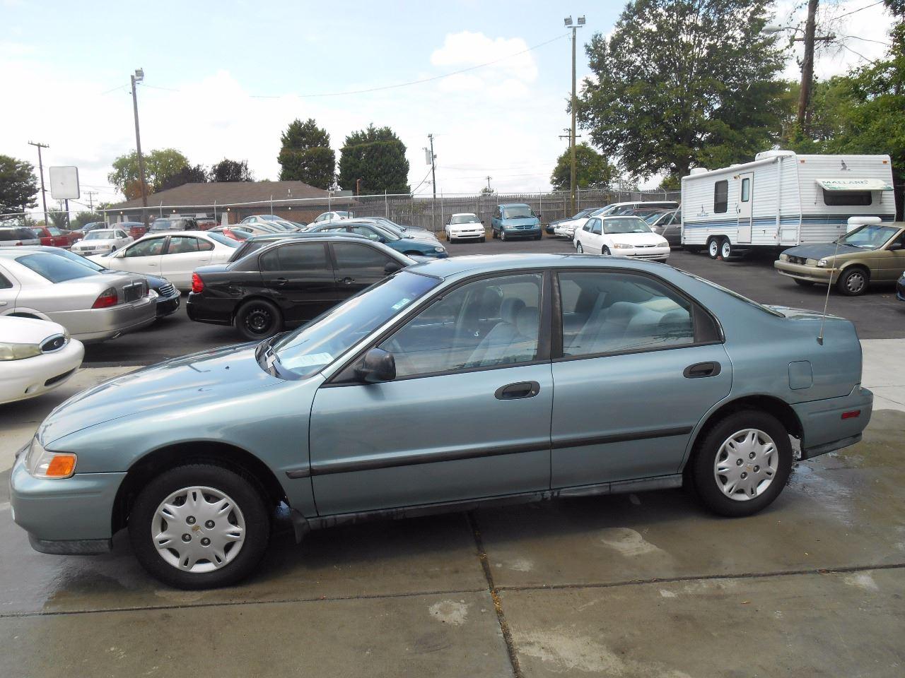 1995 honda accord dx 4dr sedan in charlotte nc mike s auto sales of charlotte 1995 honda accord dx 4dr sedan in
