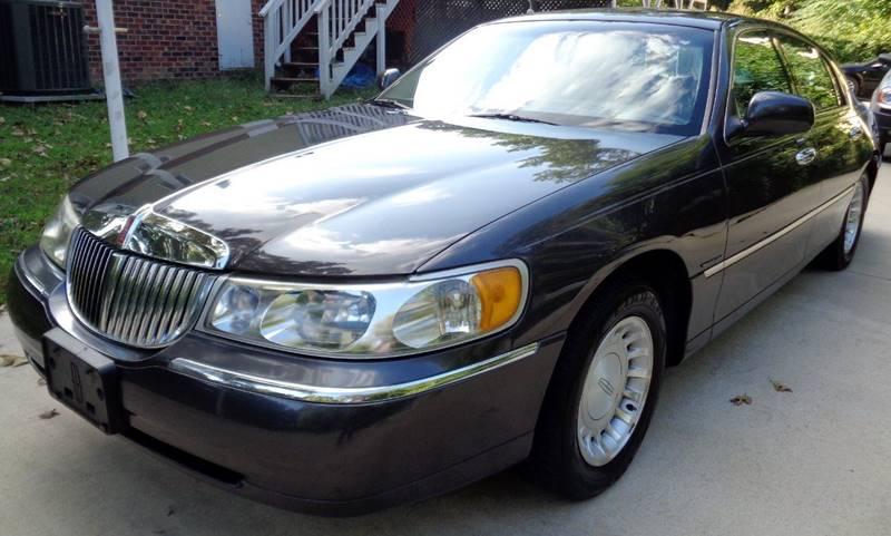 2001 Lincoln Town Car Executive 4dr Sedan In Richmond Va Richmond