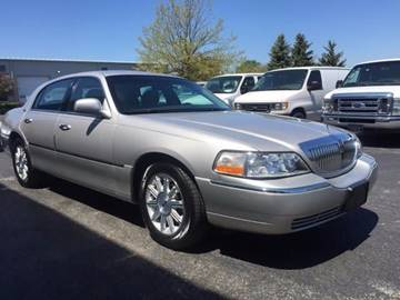2009 Lincoln Town Car for sale at Chicago Auto Network in Mokena IL