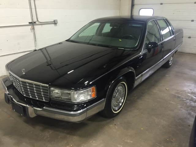 1994 Cadillac Fleetwood for sale at Chicago Auto Network in Mokena IL