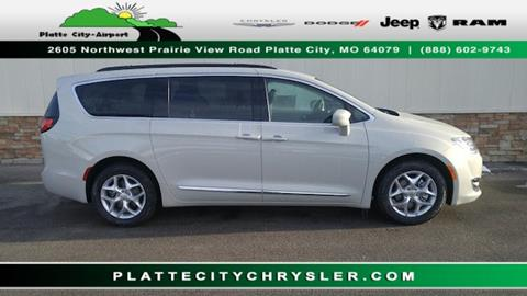 2017 Chrysler Pacifica for sale in Platte City MO