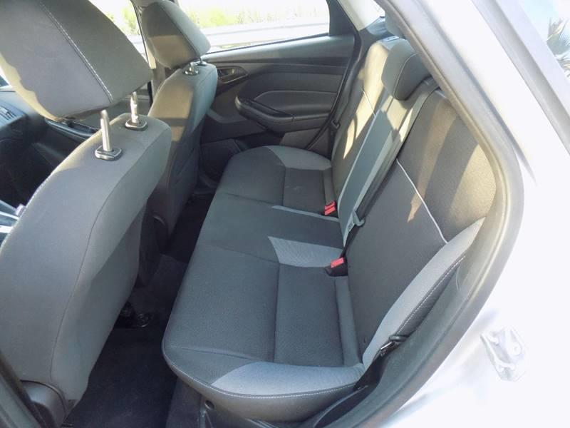2012 Ford Focus SE 4dr Sedan - Davie FL