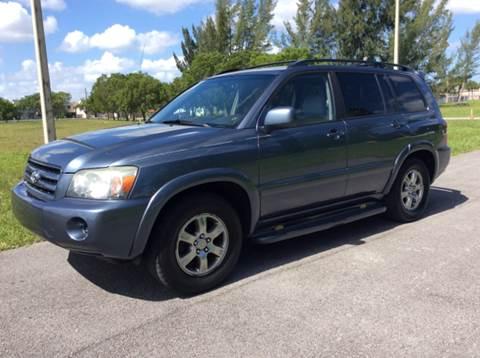 2004 Toyota Highlander for sale in Miramar, FL