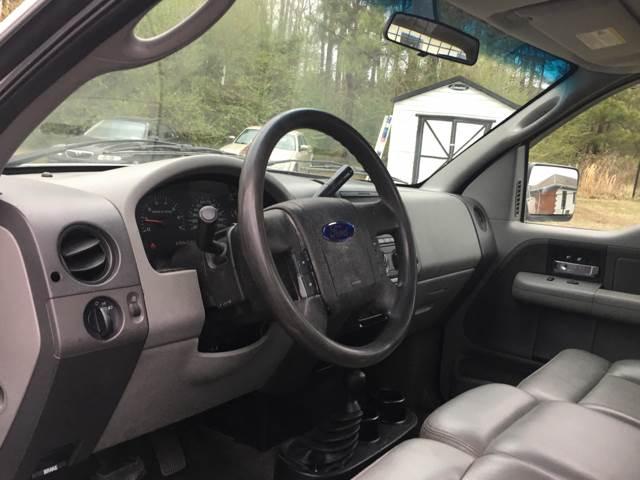 2005 Ford F-150 2dr Regular Cab XL 4WD Styleside 8 ft. LB - Quinton VA
