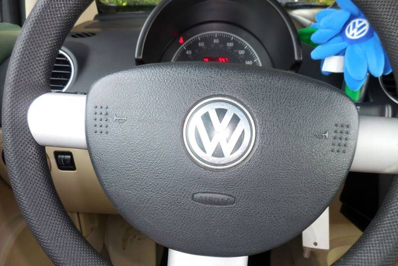 2007 Volkswagen New Beetle 2.5 PZEV 2dr Convertible (2.5L I5 6A) - Fort Myers FL