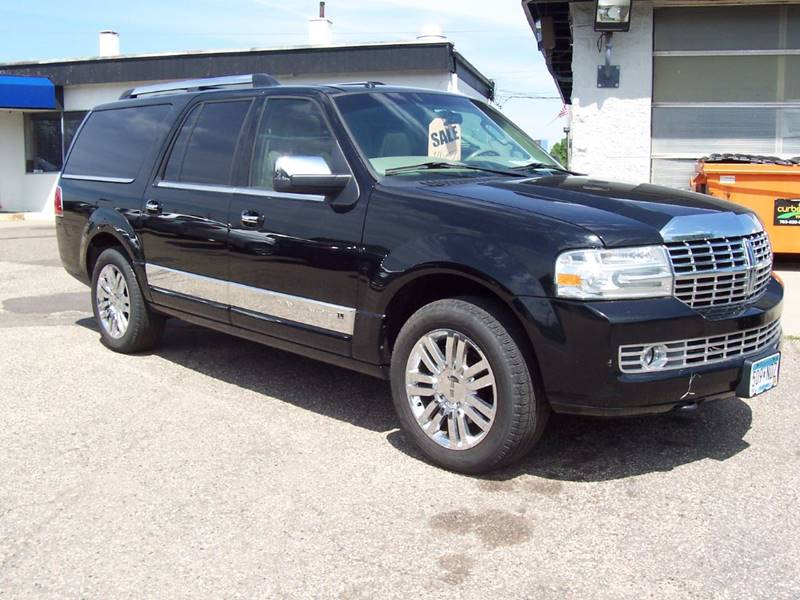2007 Lincoln Navigator L for sale at TOWER AUTO MART in Minneapolis MN