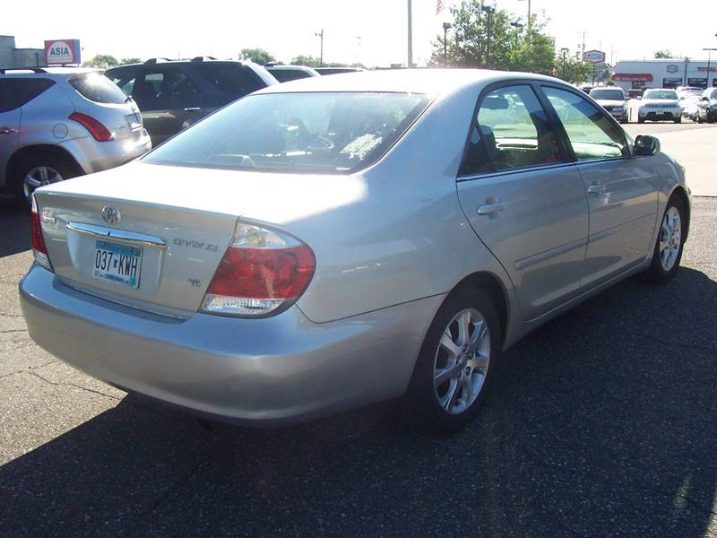 2006 Toyota Camry XLE V6 4dr Sedan - Minneapolis MN