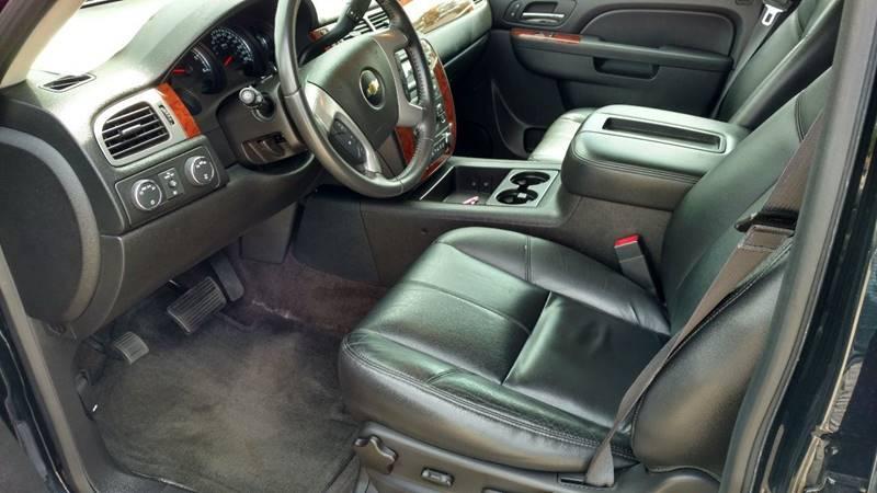 2014 Chevrolet Tahoe 4x4 LT 4dr SUV - Grand Rapids MI