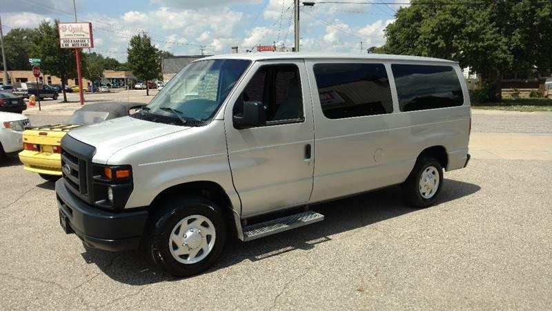 2012 Ford E-Series Wagon E-150 XL 3dr Passenger Van - Grand Rapids MI