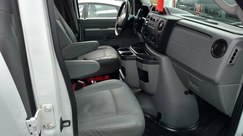 2011 Ford E-Series Cargo E-250 3dr Extended Cargo Van - Grand Rapids MI