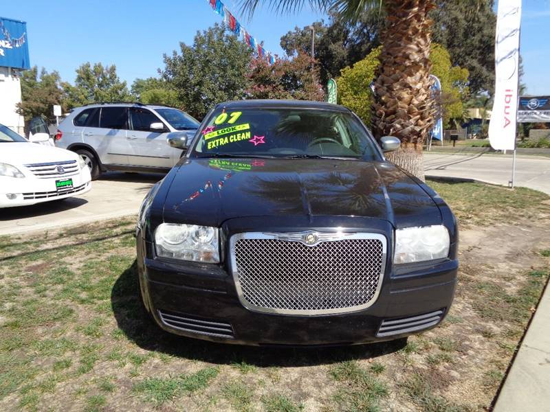 2007 Chrysler 300 4dr Sedan - Visalia CA