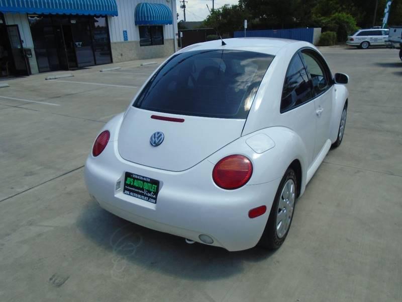2002 Volkswagen New Beetle GL 2dr Hatchback - Visalia CA