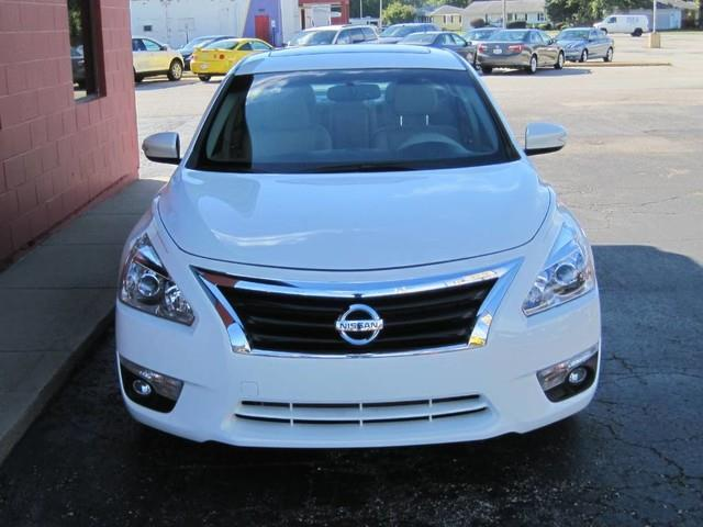 2014 Nissan Altima for sale at Tjelmeland Laketown Automotive in Springfield IL