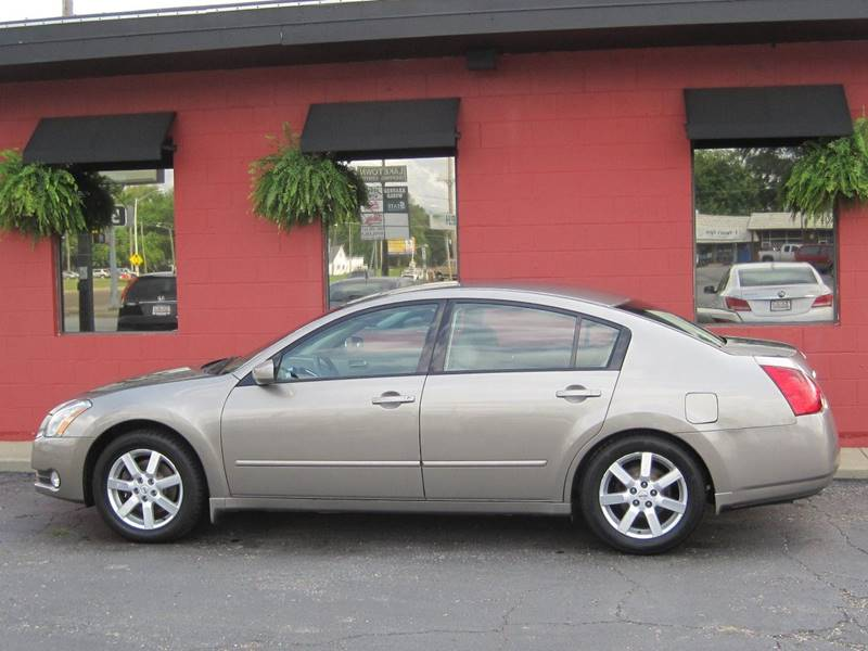 2005 Nissan Maxima for sale at Tjelmeland Laketown Automotive in Springfield IL