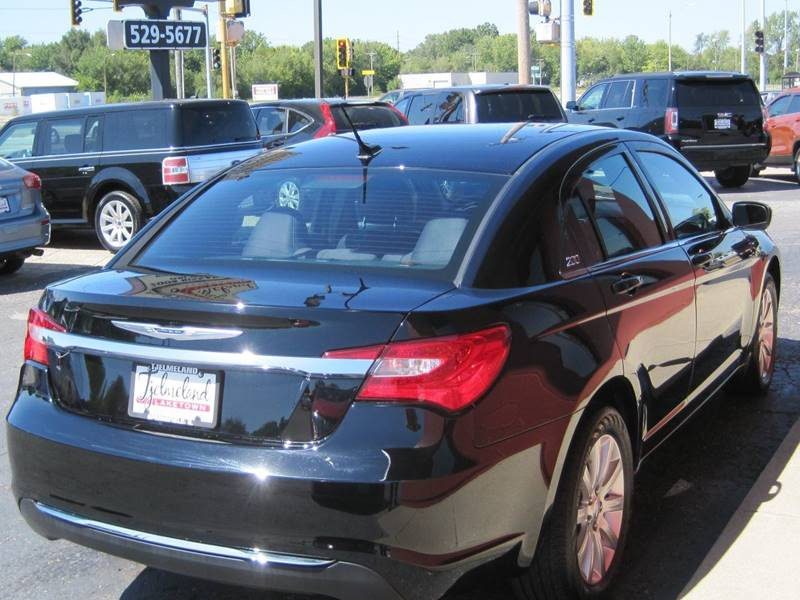 2013 Chrysler 200 for sale at Tjelmeland Laketown Automotive in Springfield IL