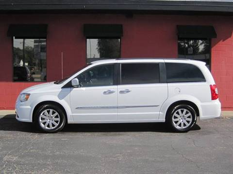 2015 Chrysler Town and Country for sale at Tjelmeland Laketown Automotive in Springfield IL