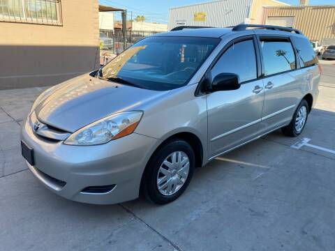 2007 Toyota Sienna for sale at CONTRACT AUTOMOTIVE in Las Vegas NV