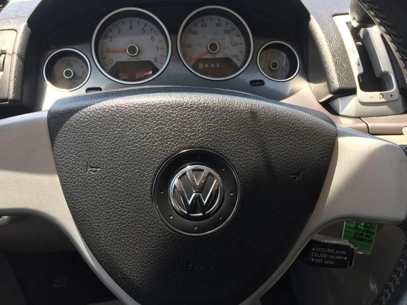 2009 Volkswagen Routan SE 4dr Mini-Van - Cypress TX