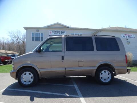 2004 GMC Safari for sale at SOUTHERN SELECT AUTO SALES in Medina OH