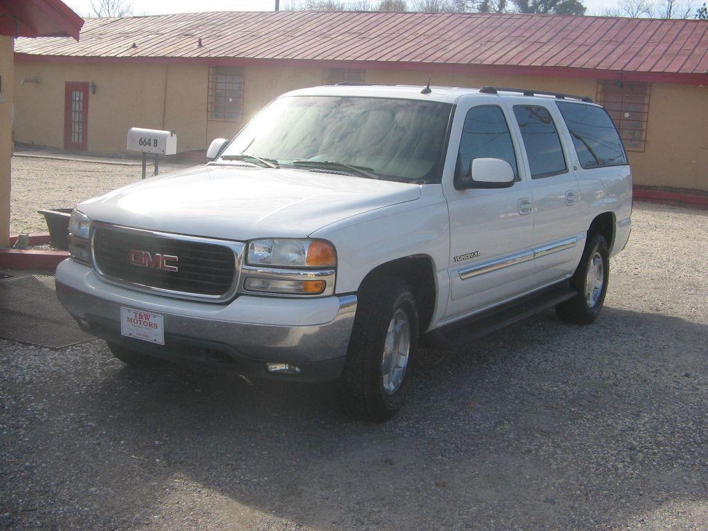 2004 GMC YUKON XL white owners suv very nice 145000 miles VIN 3GKEC16Z74G303145