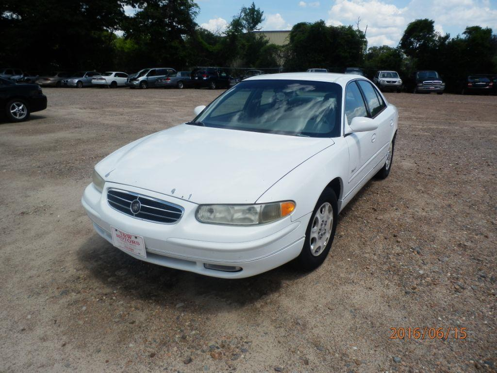 2000 BUICK REGAL white 204935 miles VIN 2G4WB52K7Y1290555