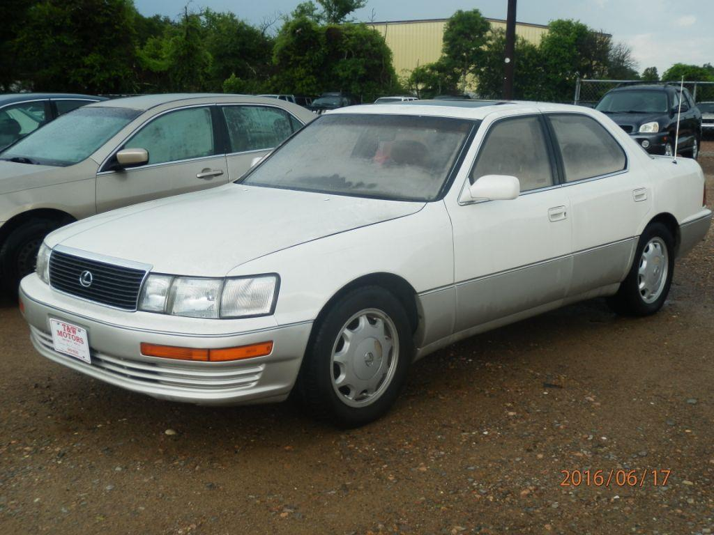 1994 LEXUS LS 400 BASE 4DR SEDAN white down payment 80000  monthly payment 20000 front air co