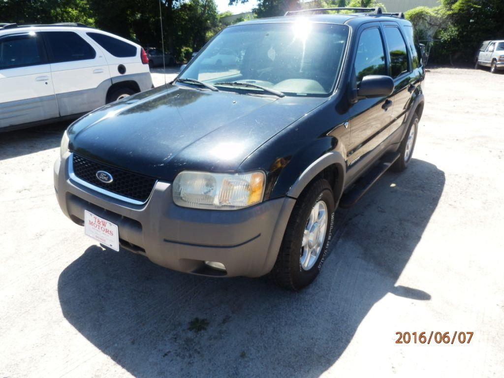 2002 FORD ESCAPE XLT CHOICE 2WD 4DR SUV black down payment 120000  monthly payment 20000   c