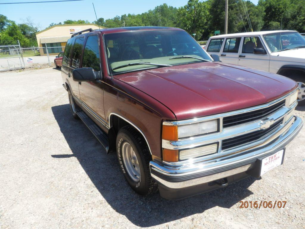 1999 CHEVROLET TAHOE burgandy down payment 80000  monthly payment 20000  cash price 199500