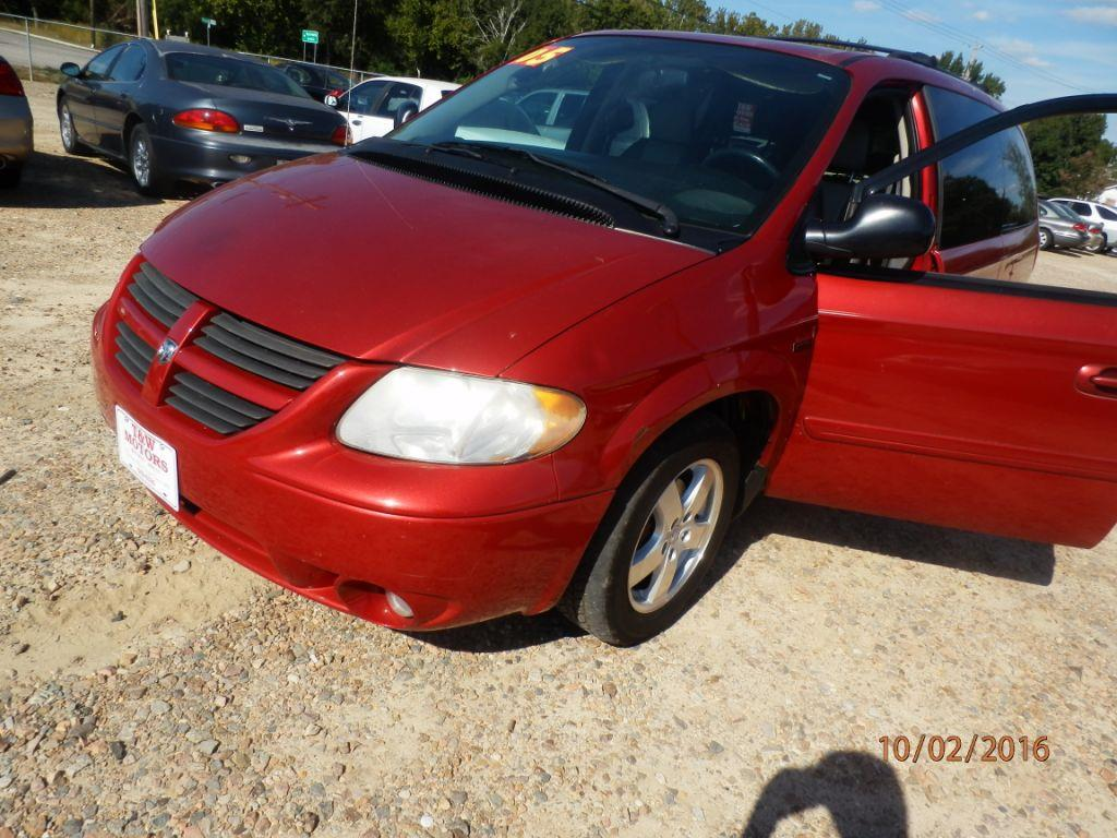 2006 DODGE GRAND CARAVAN SXT 4DR EXTENDED MINI VAN red down payment 150000  monthly payment 25