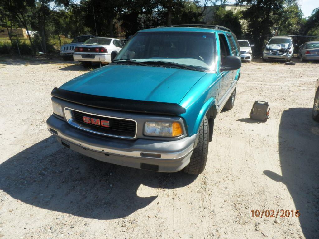 1995 GMC JIMMY green down payment 50000  monthly payment 20000  cash price 199500 plus sal